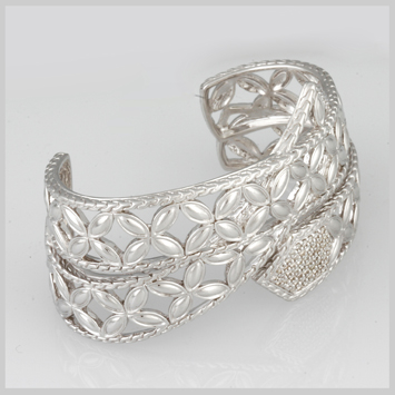 138444 JOHN HARDY Kawung Silver Ribbon Overlap Cuff with Diamond Pave (0.62ct.) Size M